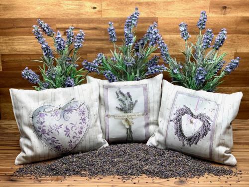 Lavendelkissen zusammen